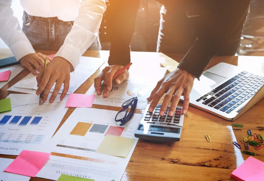 Strategieentwicklung und -umsetzung: Analyse und Auswerung von Grafiken