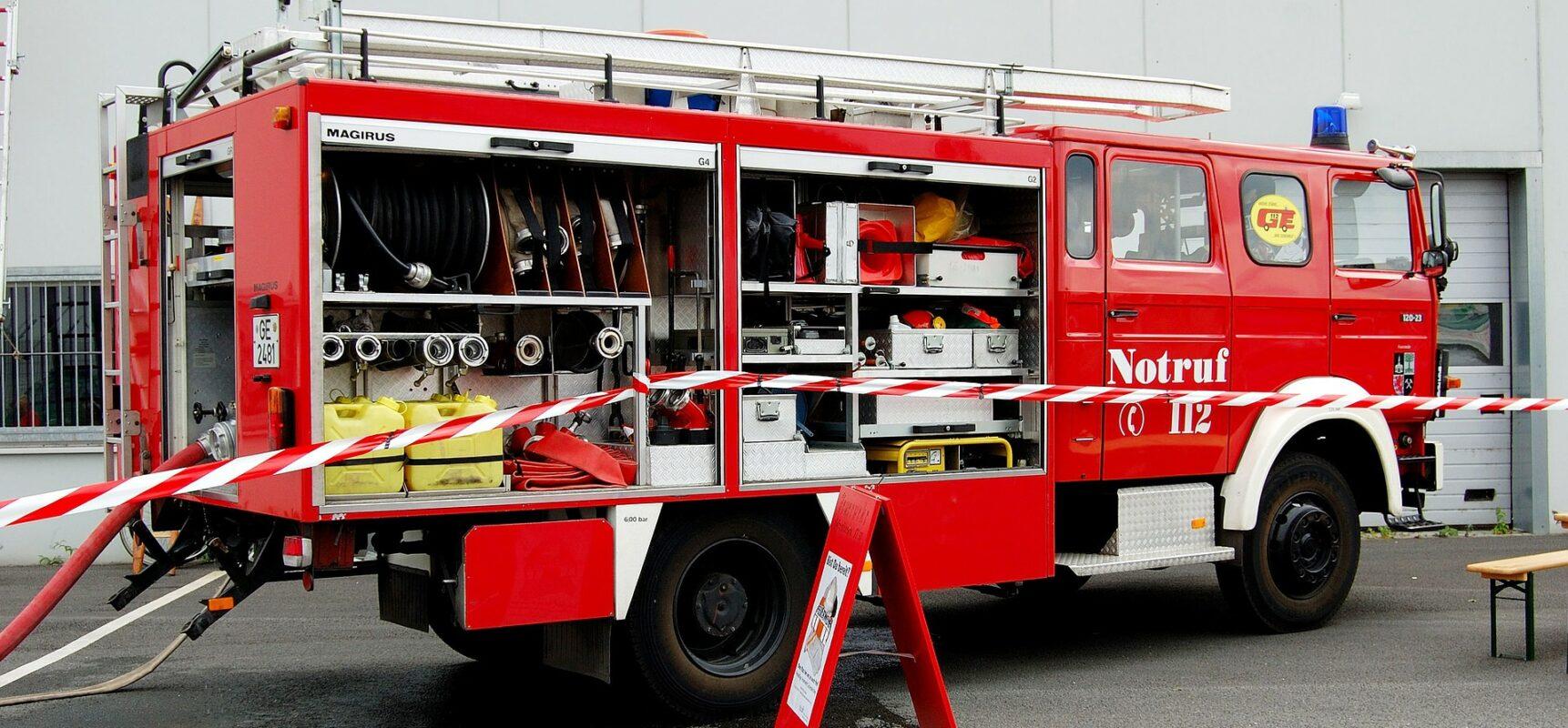 Ist Ihre Feuerwehrgebührensatzung veraltet? Feuerwehrauto