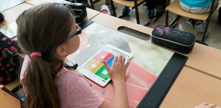 DigitalPakt Schule - Viele Schulen stecken noch in der Steinzeit